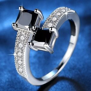 DOUBLE SQUARE BLACK SAPPHIRE & CZ WHITE GOLD RING